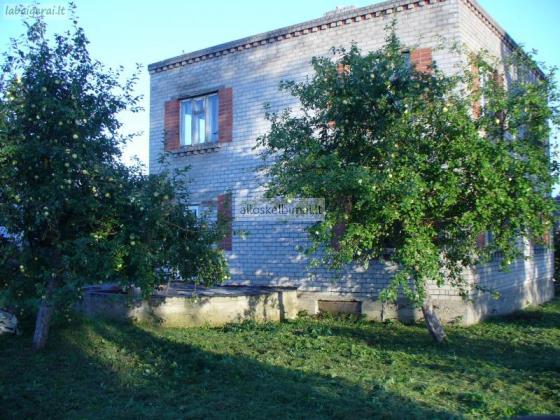 Parduodamas namas Telšių rajone, Nevarėnų kaime.-alioskelbimai