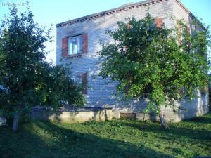 Parduodamas namas Telšių rajone, Nevarėnų kaime.