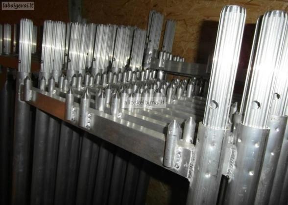 Parduodame aliuminius fasadinius pastolius