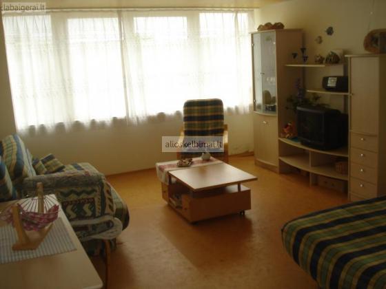 Šventoji- pas Jolanta ( vieno kambario butas)-alioskelbimai