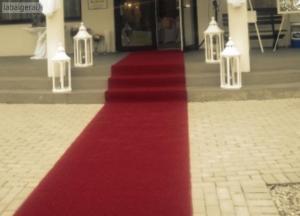 Raudonu kilimu nuoma