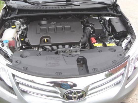 2014 m. Toyota Avensis 1,8 universalas